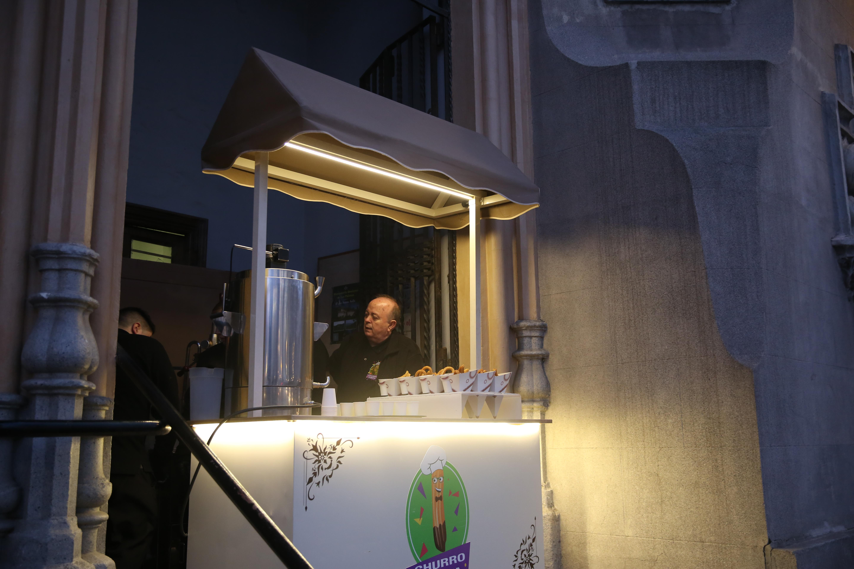 Churro Fiesta en evento de empresa, catering de churros, detalle churros